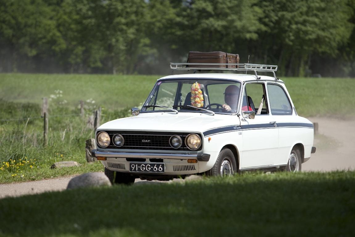 DAFjes rijden in Weerribben Wieden vanuit Giethoorn