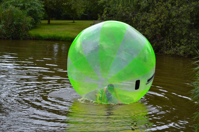 Lopen op het water - Aquabubble - Eetcafe Giethoorn