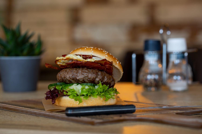 BBQ Royale Hamburger Restaurant Eetcafé Giethoorn Burgers & Grill