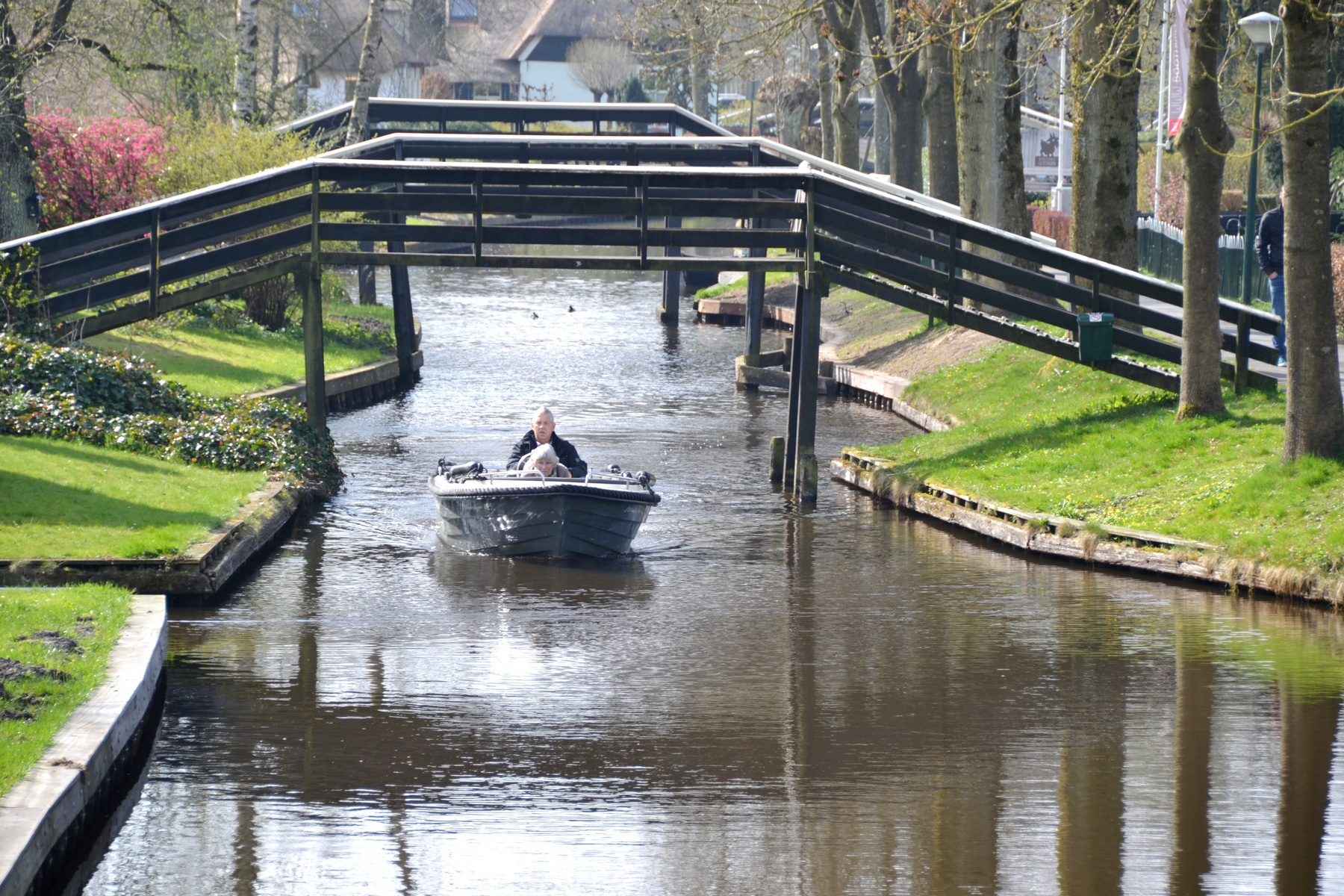 Varen in Giethoorn Overijssel - Eetcafe Giethoorn Burgers & Grill